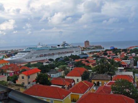 ,,Sea-Princess'' - Zentrum Willemstad