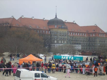 Blick von der Molo auf das Grand Hotel - Strand Zoppot/Sopot