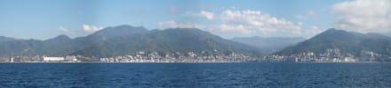Puerto Vallarta vom Meer - Uferpromenade Puerto Vallarta