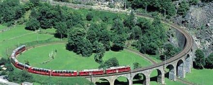 Bernina Express bei Brusio - Rhätische Bahn (Via Albula/Bernina)