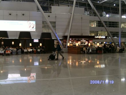 Abflugshalle - Flughafen Düsseldorf (DUS)