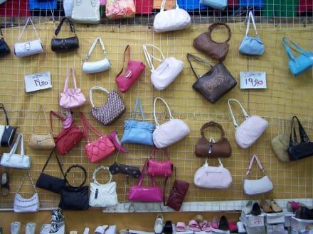 Taschenimpressionen - Einkaufen & Shopping