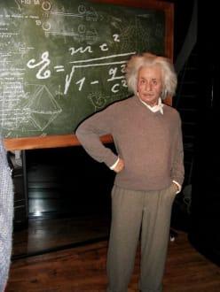 Albert Einstein bei Madame Tussauds - Madame Tussauds Wachsfigurenkabinett