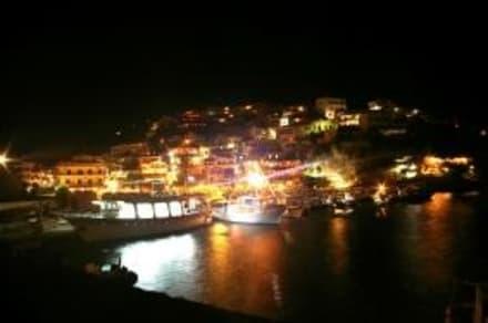 Agia bei Nacht - Hafen Aghia Galini/Agia Galini