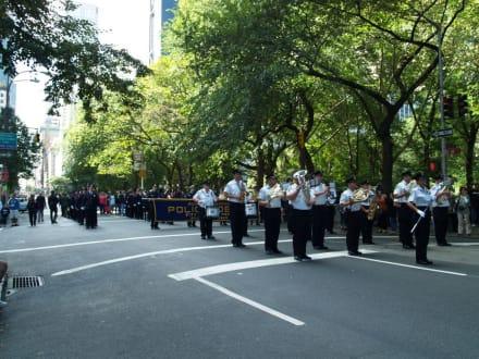 Musi stopp - Steuben Parade New York
