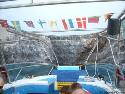 Fahrt zwischen den Felsen - Bootstour Faliraki