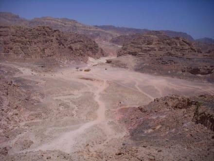 Der Weg durch den Canyon - Coloured Canyon