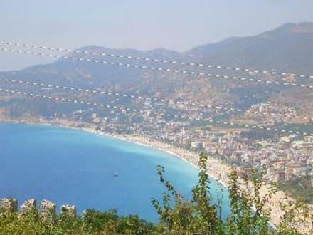 Burgblick auf Kleopatra Strand - Burg von Alanya  (Ic Kale)