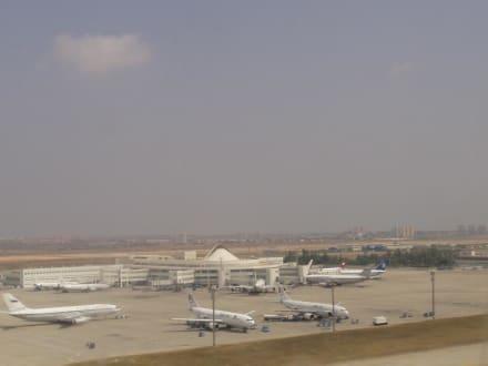 Flughafen von Antalya - Flughafen Antalya (AYT)