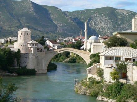 Mostar - eindrucksvolle orientalische Architektur - Brücke Stari Most