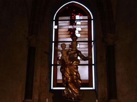 Die hl. Madonna auf der Mondsichel - Limburger Dom