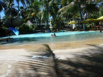 Großer Pool für Kinder - Hotel Sarova Whitesands Beach Resort & Spa