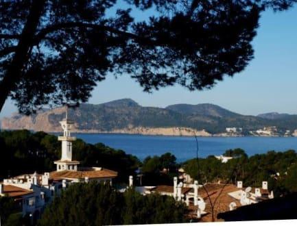 Blick auf den Ort und die Bucht - Strand Santa Ponsa/Ponça
