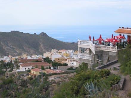 """Restaurante """" 0telo""""  am Eingang der Höllenschlucht - Wasserfälle - Barranco del Infierno"""