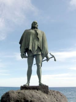 Guanchen Statuen. Bencomo - Statuen der Guanchenkönige