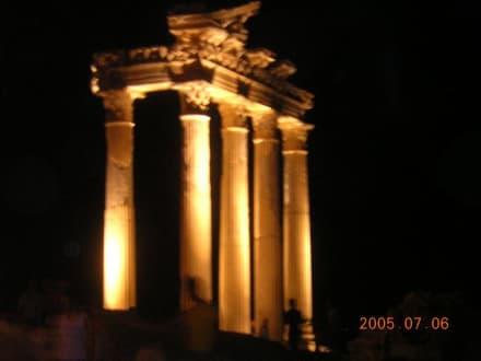 Side bei nacht. - Apollon Tempel