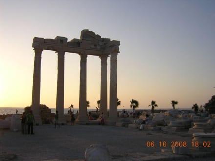 Sonnenuntergang in Side am Hafen - Apollon Tempel