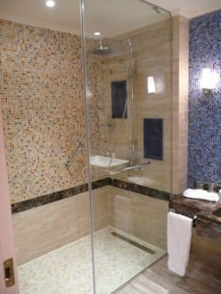 begehbare dusche bild hotel hilton marsa alam nubian resort in abu dabab marsa alam el. Black Bedroom Furniture Sets. Home Design Ideas