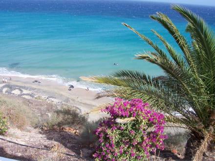 Blick auf den Strand von Esquinzo - Strand Playa de Esquinzo / Playa de Butihondo