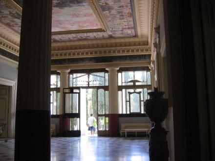Eingangsbereich Achillion - Schloss Achilleion