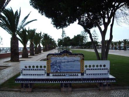 Azulejos-Bänke! - Yachthafen Olhao
