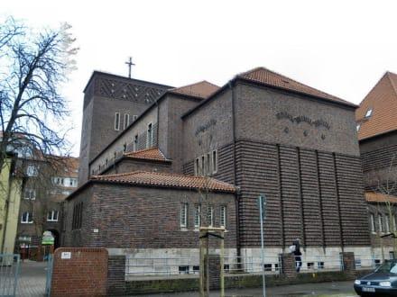 Kath. Kirche St. Heinrich Hannover Bild Kirche St