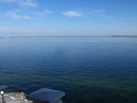 Blick auf die See vom Balkon aus - Dorfhotel Boltenhagen
