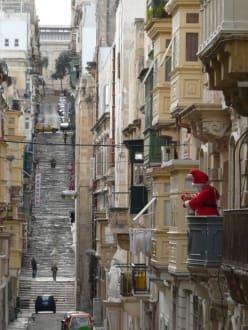 Strasse in Valletta (Weihnachten) - Altstadt Valletta