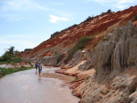 Waten durch den Märchenfluss - Sanddünen