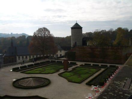Unterer Schloss-Garten - Schloss Weilburg