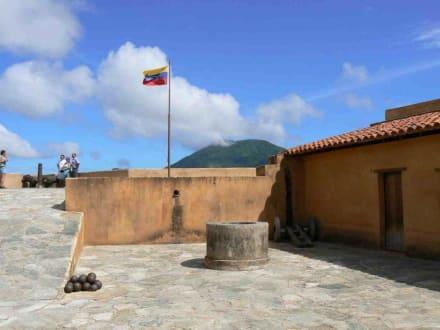 Castillo de Santa Rosa - Ausflüge & Touren