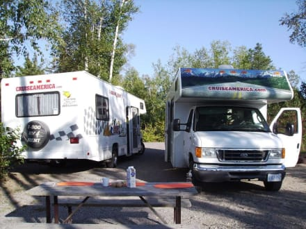 Da stehen zusammen 700 PS... - Halfway Lake Provincial Park