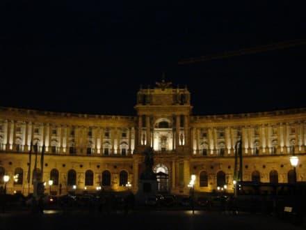 """""""Neue Burg"""" bei Nacht - Hofburg"""