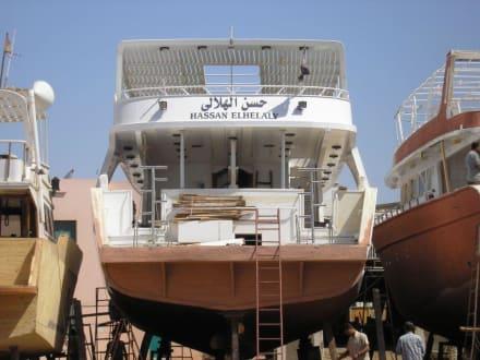 Boote zur Überholung - Bootswerft Hurghada