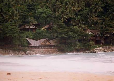 Am Rand des Karon Beach - Strand Karon