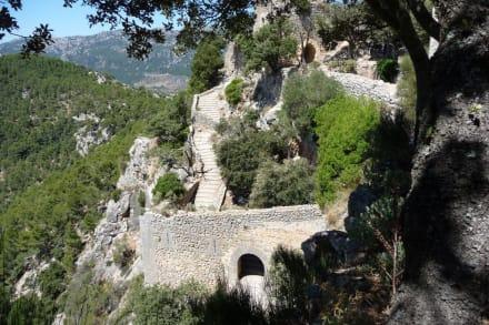 Burg/Palast/Schloss/Ruine - Castell d'Alaro
