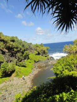 Seven Pools - Pazifikmündung - Straße nach Hana (Road to Hana)