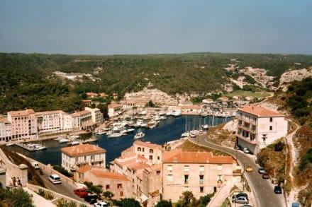 Der wunderschöne Naturhafen von Bonifacio - Hafen Bonifacio