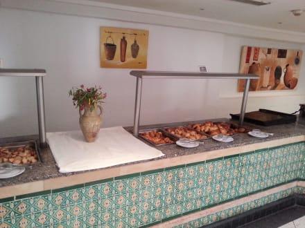 Brötchen vom Vortag - Hotel Sangho Village Djerba (geschlossen)