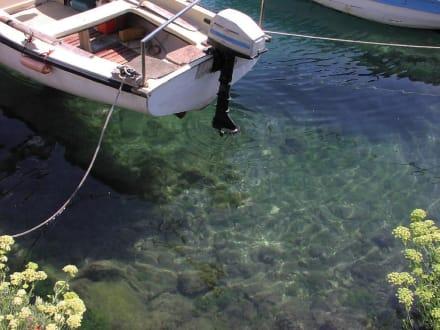 Klares, sauberes Wasser - Hafen Supetar