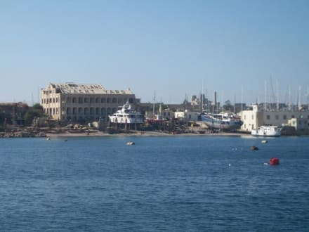 Manoel Island Yacht Yard - Captain Morgan Cruises