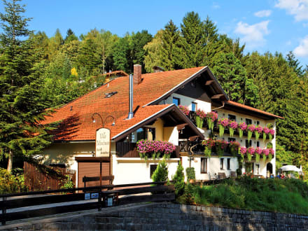 Vue - Villa Montara Bed & Breakfast