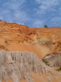 Wanderung in kleinem Fluß - Roter Canyon/Fairy Stream