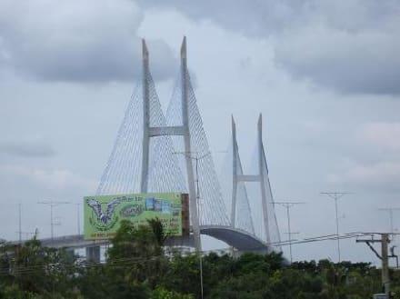 die Hängebrücke im Mekong - My Thuan Brücke