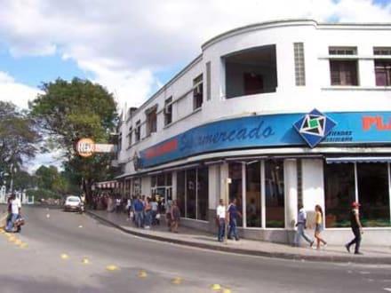 Supermarkt am Plaza de Marte - Plaza de Marte