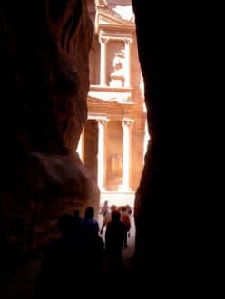 Petra - Siq - Khaze Faraun - Schatzhaus des Pharao / Khazne al-Firaun