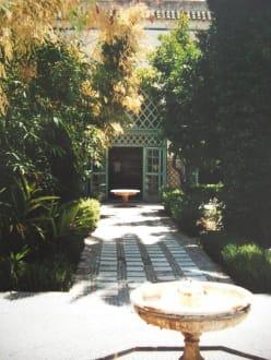 Im Palast-Innenhof - Bahia Palast