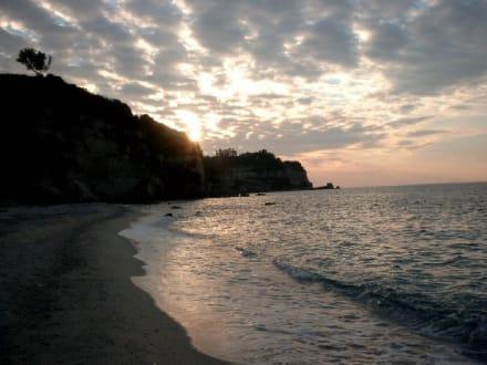 Sonnenuntergang am Strand von Tropea - Hafen Tropea