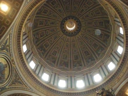 Kuppel im Petersdom - Petersdom