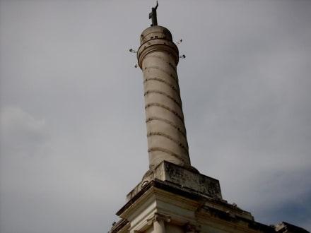 Freiheitsstatue - Monumento a los Héroes de la Restauración